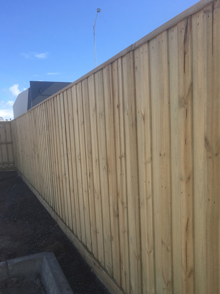 timber-paling-fence